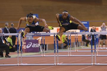 Pascal Martinot-Lagarde (l) and Aurel Manga battle at the French indoor championships in Bordeaux ( FFA / KMSP)