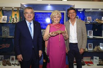Thomas Bach, Rosemary Mula and Seb Coe in the Heritage Exhibition in Doha ()