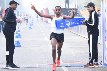 Kenenisa Bekele wins in Kolkata (Organisers / Procam International)