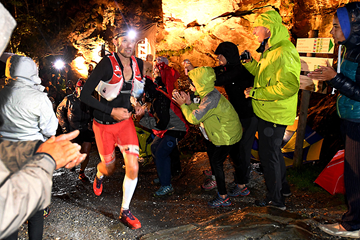 Francois D'Haene on his way to winning the UTMB (AFP / Getty Images)
