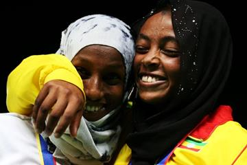 Bahrain's Dalila Abdulkadir Gosa (left) and Ethiopia's Bedatu Hirpa at the IAAF World Youth Championships, Cali 2015 (Getty Images)