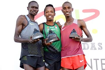The men's podium finishers in Alcobendas - (from L-R): runner-up Thomas Ayeko, winner Thierry Ndikumwenayo and third-place finisher Rodrigue Kwizera (David Galindo)