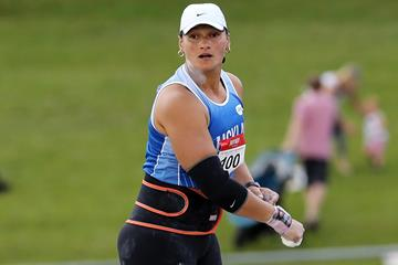 New Zealand's Valerie Adams in action in the shot put (Getty Images)