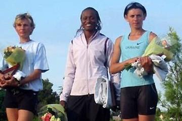 Eunice Barber at the top again - Arles winner (centre) (Carole Fuchs)
