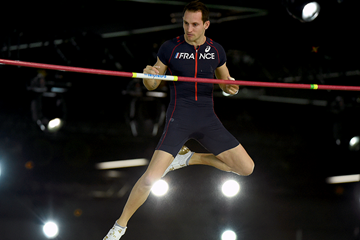 Renaud Lavillenie in the pole vault at the IAAF World Indoor Championships (AFP / Getty Images)
