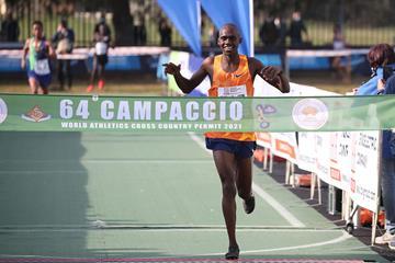 All smiles - Jacob Kiplimo winning the Campaccio cross country (Giancarlo Colombo)