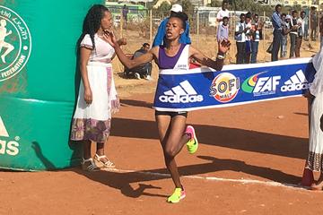 Zeineba Yimer wins the women's race at the Ethiopian Half Marathon Championships (Abiy Wendifraw)