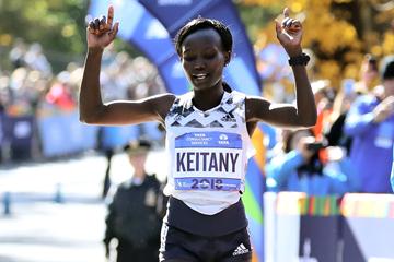 Mary Keitany wins the New York City Marathon (Getty Images)