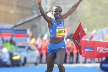 Joyciline Jepkosgei wins the Sportisimo Prague Half Marathon (Organisers / Jiro Mochizuki)
