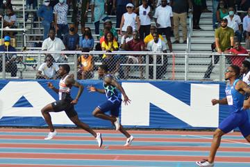 Trayvon Bromell on his way to a 100m win at the NACAC New Life Invitational (Jeff Porter)