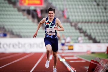 Jakob Ingebrigtsen breaks the European 2000m record in Oslo (Eirik Førde / Bislett Alliance)