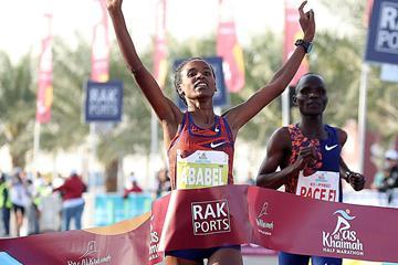 Ababel Yeshaneh wins the Ras Al Khaimah Half Marathon (Giancarlo Colombo / organisers)