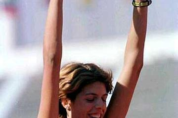 Blanka Vlasic salutes her win at the 2000 Wortld Junior Champs (Getty Images)