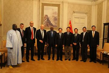The IAAF delegation with the Acting Mayor of Beijing Wang Anshun and representatives of the Chinese political and sporting authorities (IAAF)