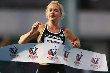 Camille Buscomb winning the 2016 Zatopek 10 in Melbourne (Getty Images)
