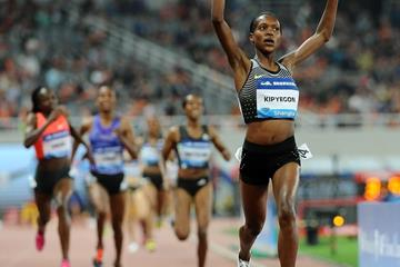 Faith Kipyegon en route to a Kenyan 1500m record in Shanghai (Errol Anderson)