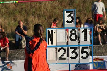 Donald Thomas of Bahamas celebrates clearing 2.35m (Miguel Ángel Rivero)