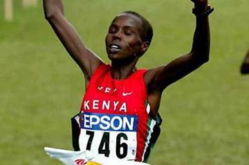 Edith Masai (KEN) celebrates her third consecutive short course win (AFP/Getty Images)