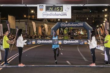 Abel Kipchumba wins the Valencia 15km Banco Mediolanum (Organisers)