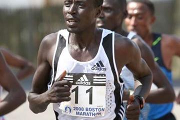 William Kiplagat running Boston (www.photorun.net)