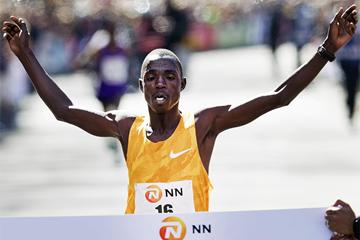 Kipserem clocks 2:04:04 at inaugural Abu Dhabi Marathon