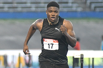 Dejour Russell in action at the Jamaican Championships (Bryan Cummings / Jamaica Observer)