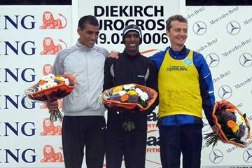 Mustafa Mohamed (SWE) at the centre of the podium - Guerra (r) and Slimani (l) - in Diekirch (loc)
