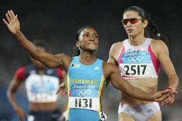 Tonique Williams Darling wins the 400m gold (Getty Images)