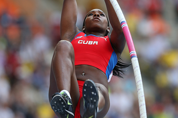 Cuban pole vaulter Yarisley Silva in action (Getty Images)
