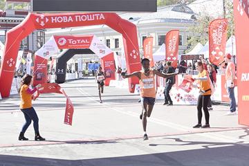 Lencho Tesfaye Anbesa wins the Kyiv Half Marathon (Organisers)