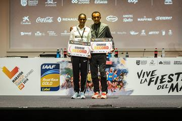 Valencia Marathon winners Ashete Dido and Leul Gebrselassie (Organisers)