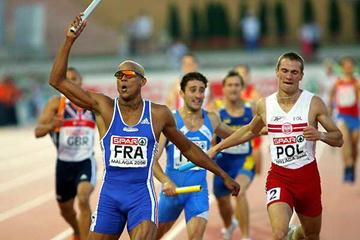 Marc Raquil (FRA) brings home 4x400m win - Malaga (Getty Images)