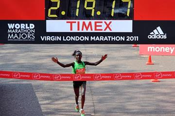 Mary Keitany impresses and dominates with a 2:19:19 victory in London (Getty Images)