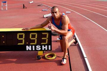 Patrick Johnson with his Australian record time in Mito (Rikujyou Kyougi Magazine)