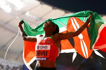 Hellen Obiri celebrates her 500m title at the IAAF World Championships Doha 2019 (Getty Images)