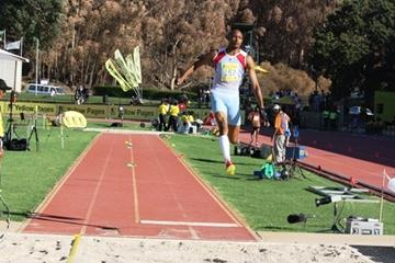 Kotoso Mokoena leaping to the South African title in Stellenbosch (Mark Ouma)