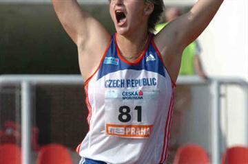 Barbora Spotakova celebrates her Javelin win in Prague (Hasse Sjogren)