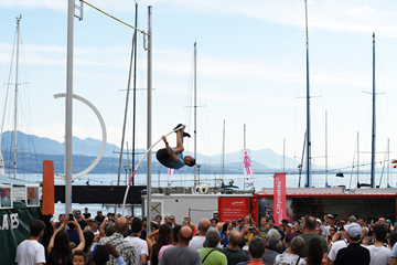 Renaud Lavillenie in the pole vault at Lake Leman in Lausanne (Gladys Chai von der Laage)
