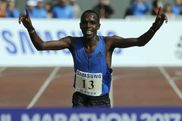 Amos Kipruto en route to victory at the 2017 Seoul Marathon (organisers)