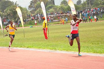 Tilahun Haile wins the 5000m at the Ethiopian Junior Championships (Getachew Teshome)