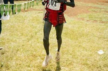 Nathan Kosgei win the 2004 Nyeri Half Marathon (P. Njenga)