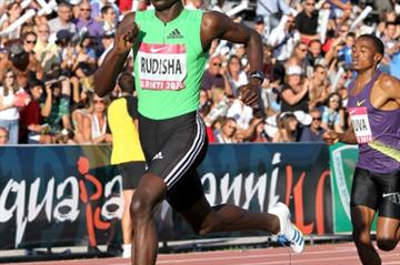 David Rudisha speeds to World record of 1:41.01 in the 2010 edition of the Rieti meeting (Victah Sailer)