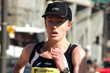 Deena Kastor running in the 2005 Shamrock Shuffle 8km (Erroll Anderson - Photo Run)