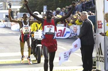 Tergat wins in Berlin breaks 2:05 barrier (Lisa Coniglio @Photo Run)