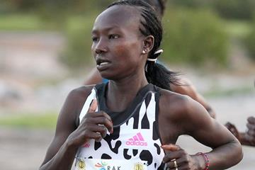 Mary Keitany at the 2015 RAK Half Marathon (organisers / Victah Sailer)