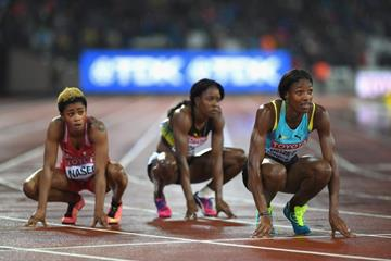 Salwa Eid Naser, Shericka Jackson and Shaunae Miller-Uibo after the 400m final at the IAAF World Championships London 2017 (Getty Images)