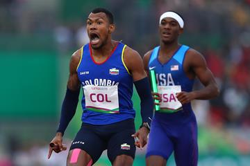 Anthony Zambrano anchors Colombia to the Pan-American Games 4x400m title (Getty Images)