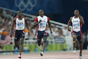 Shawn Crawford of the US takes the 200m title (Getty Images)