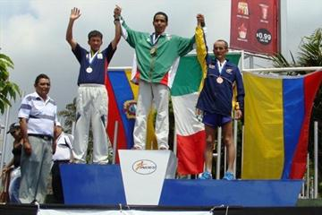 Men's 50km podium at the Pan American Race Walking Cup in San Salvador - Cristian Berdeja (c) with Mesias Zapata and Rodrigo Moreno (organisers)