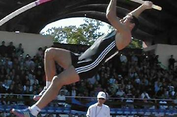 Roman Sebrle in the Pole Vault in Talence (P-J Vazel)